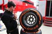 GBR_Sat_Pirelli_engineer_1336.jpg